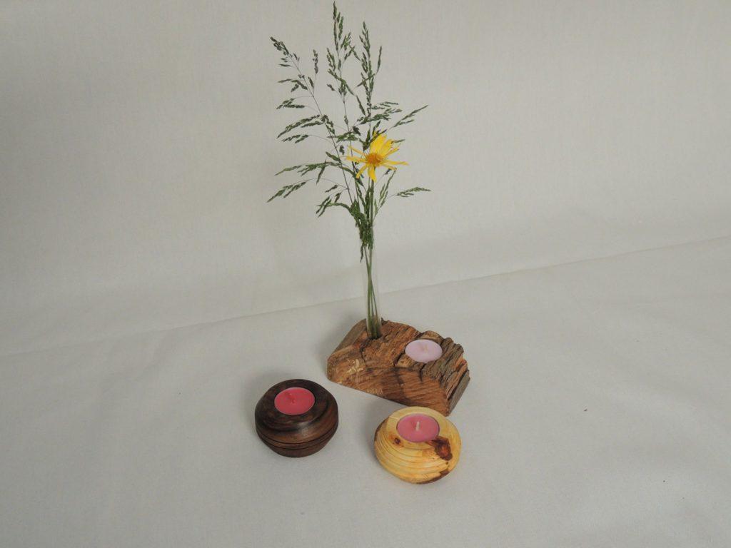 Kerzenständer, Kerzenhalter - verschiedene Holzarten und Ausführungen von klein für Teelichter bis groß als Skulptur.